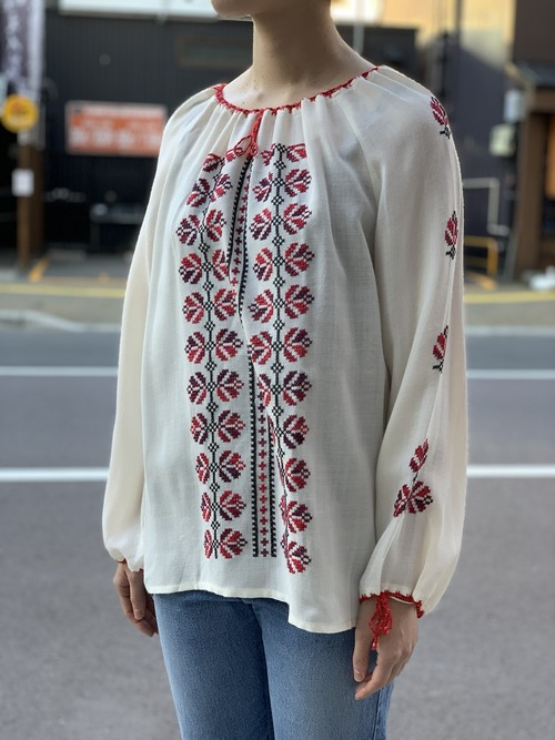 70's womens old blouse