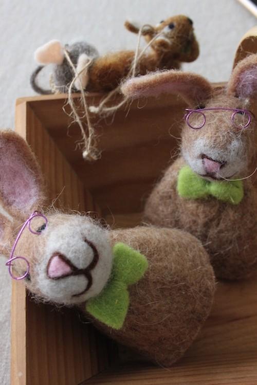フエルト メガネウサギ
