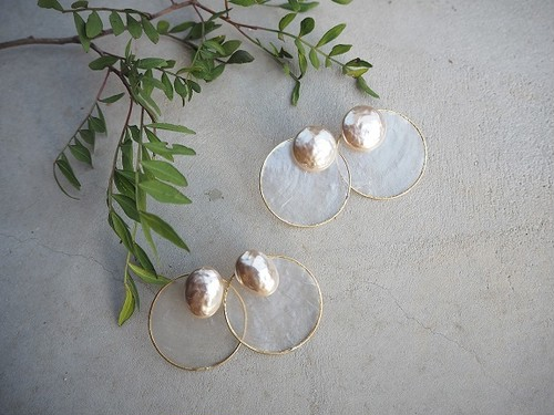 big pearl shell pierce/earrings