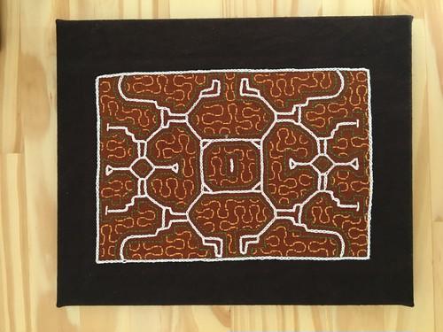刺繍 30x40cm黄色 A4サイズ キャンバス アマゾン・シピボ族の手刺繍