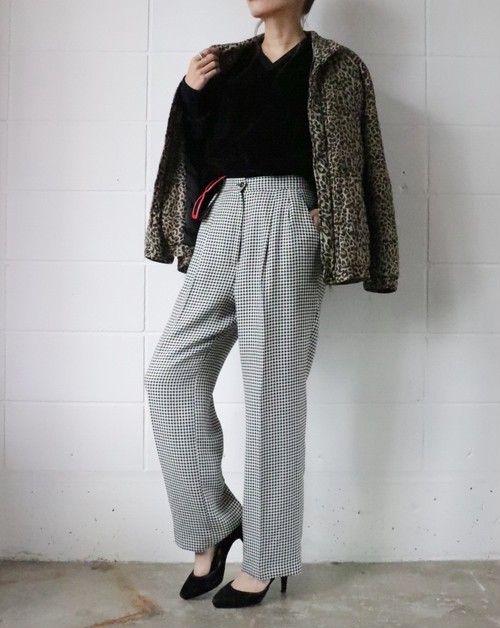 monotone houndstooth pants
