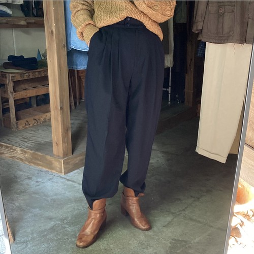 black 2tuck slacks