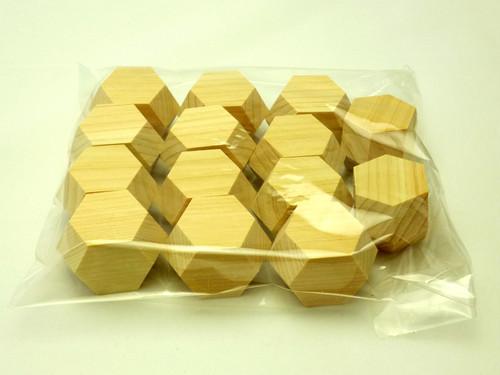 長菱形十二面体空間充填模型