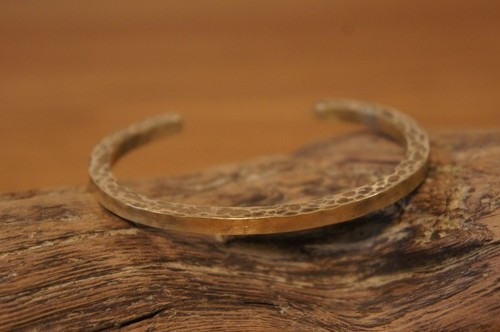 hammer finish brass bangle2