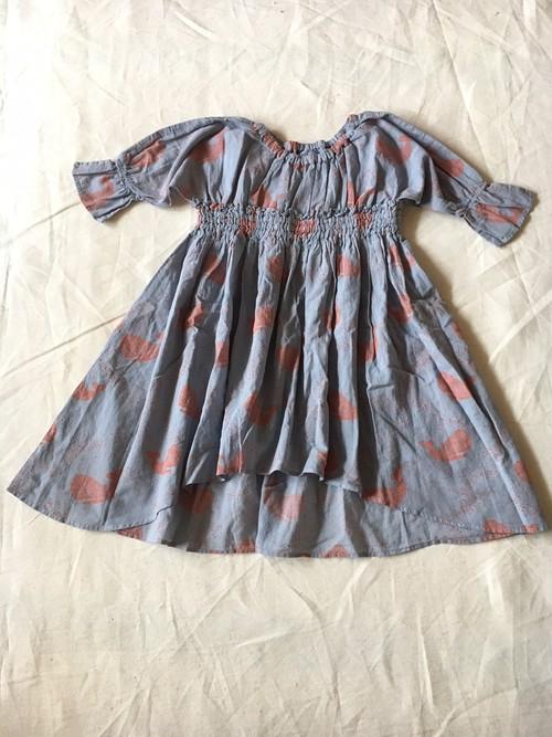 30% off  S サイズ whale print dress シャドーブルー ¥12960 →