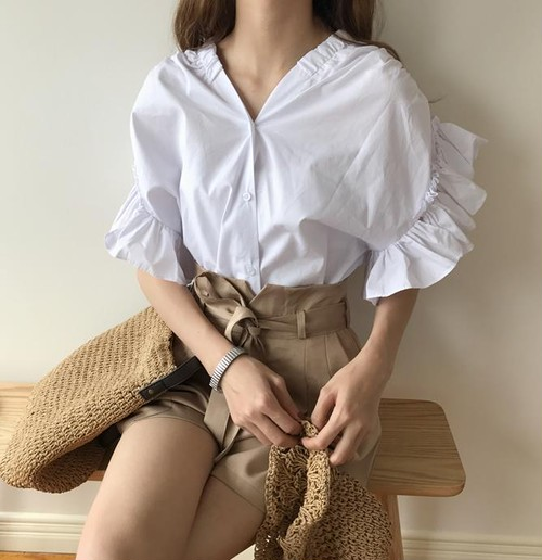 【即納】Vネックフリル半袖シャツ