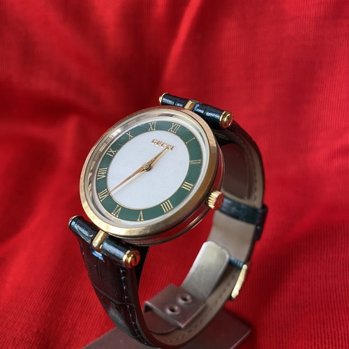 GUCCI Green-Shelly-Line Watch -Rare Color!-
