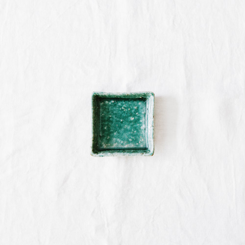緑粉引四方小皿