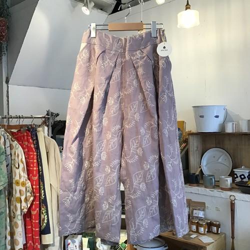 【enn hut】 embroideryワイドタックパンツ