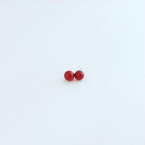 ひとつぶの赤瑪瑙 スタッドピアス 868stones