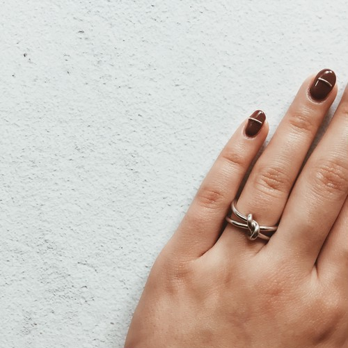 knot ring (2 colors )