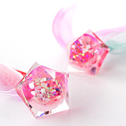 ペンタゴンドームリボンピアス(ピンク過ぎるピンク)