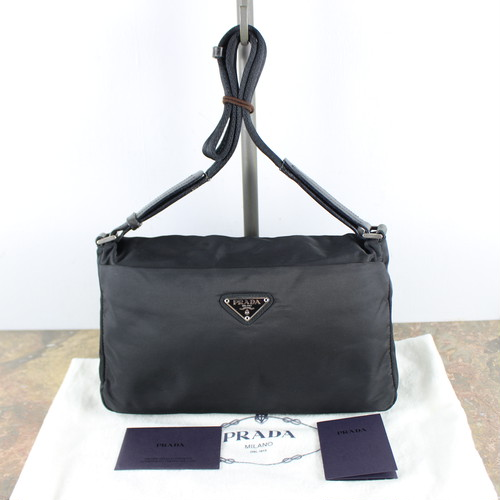 .PRADA LOGO NYLON SHOULDER BAG MADE IN ITALY/プラダロゴナイロンショルダーバッグ2000000051642