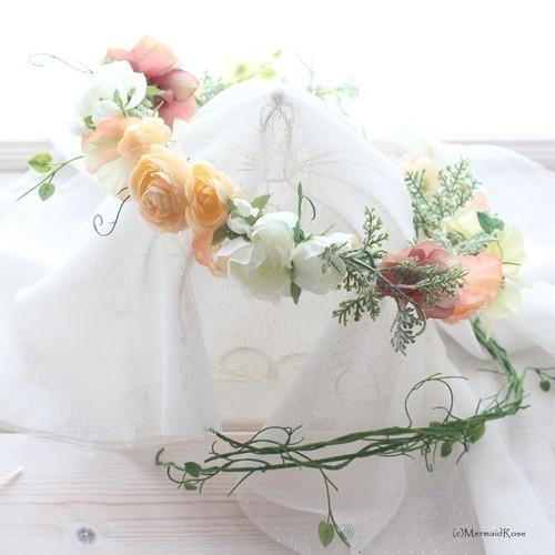 花冠ラナンキュラス(ホワイト&エクリュ)* バックガーランド付・ブートニアセット