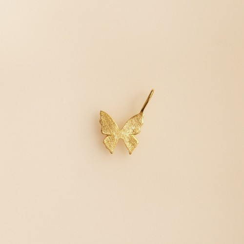 自由な蝶  キラ ネックレスチャーム
