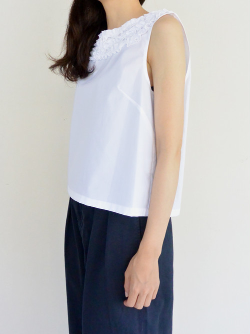 manon(マノン)FRILLY N/S SHIR フリルノースリーブシャツ