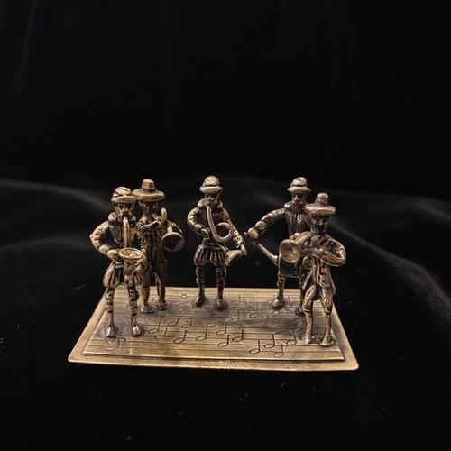 Silver Miniature #08 -Playing Music-