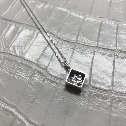 銀箱〈桜〉ペンダント