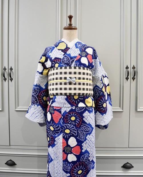 有松鳴海絞り浴衣*明るいブルー 赤と黄色のお花模様
