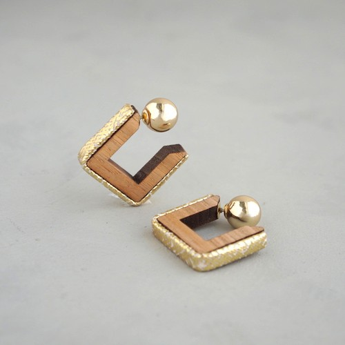 pierced earrings C-P25/earrings C-E25<gold>