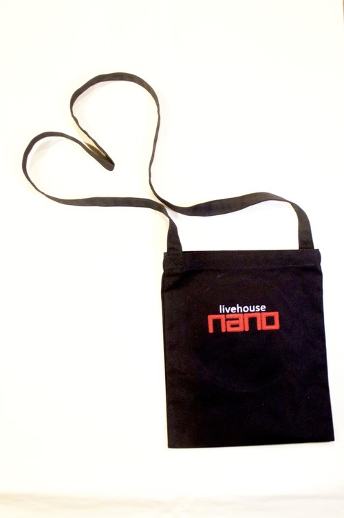 nanoロゴ刺繍入りサコッシュ mini bag with nano logo embroidery