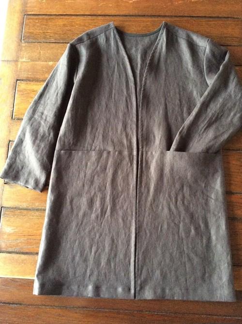 30% Off~洗練されたシルエット~クッタリーノ・スミクロの羽織るコート