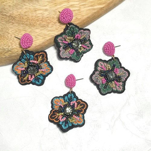 P1094 -  Embroidered Flower