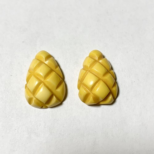 Vintage Butterscotch Carved Bakelite Earrings