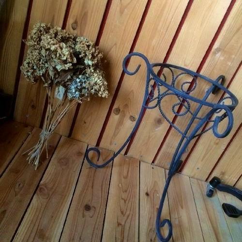 ≫シャビーなカブリオールレッグアイアンプランタースタンドおしゃれ猫脚プランターラック*フラワーポット鉄植物花台*鉢置き庭ガーデニング