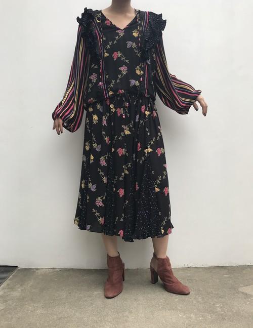 Diane freis black floral skirt ( ダイアン フレイス ブラック 花柄 スカート )