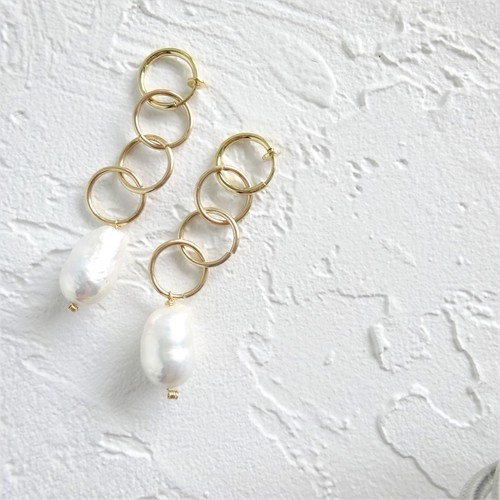 送料無料14kgf*Freshwater pearls triple ring earring / pierced earring