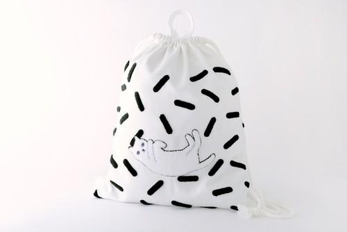 ネコサガラ刺繍ナップサック ホワイト