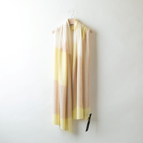 D&B GRAPHICAL STOLE AIRY 3 COLORS (Yellow)  DBA0010