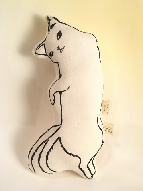 【ミナ・ヌクッタ】A-10 猫又ぬいぐるみクッション大