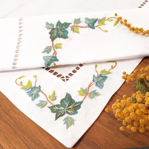 リーフ刺繍ランチョンマット&ナフキン セット