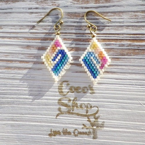 Rhombus Pierce Rainbow -Wave-