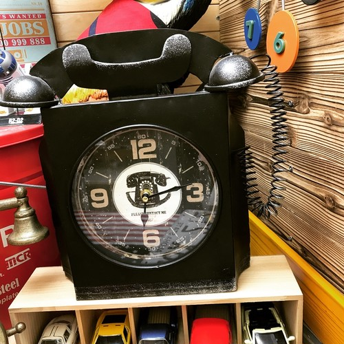 【52-0030】ブリキシリーズ 電話型置時計 ブラック