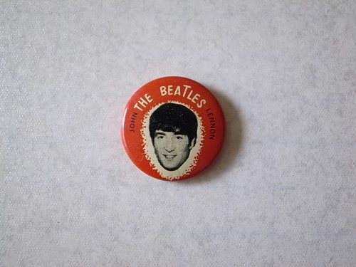 BADGE / JOHN LENNON (60'S)
