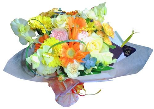 ギフトといえばこれ!季節のお花で創るオリジナル花束