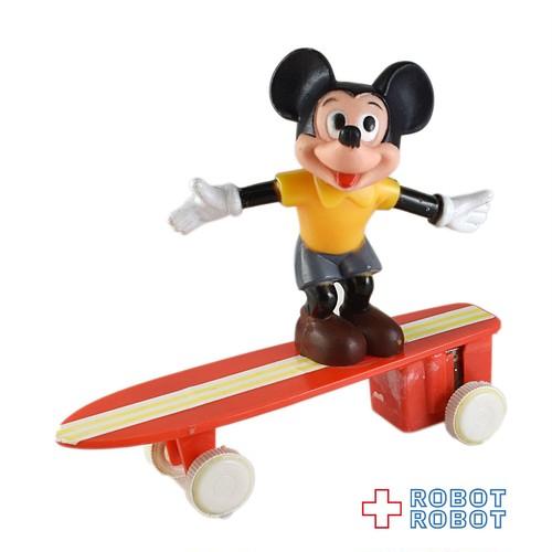 ミッキーマウス スケートボード プルバック走行トイ
