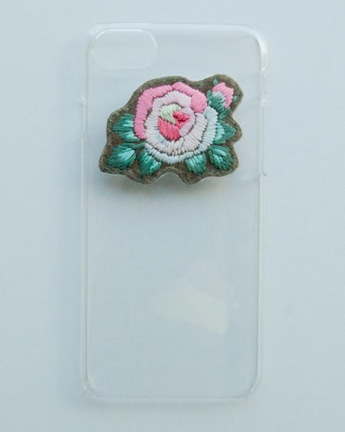 刺繍のクリアケース・rose/iphone7