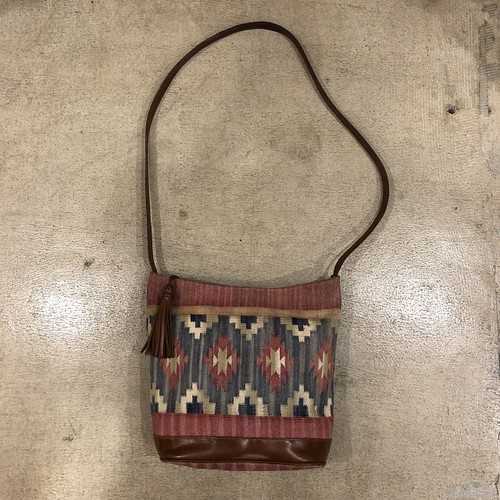 Native Soulder Bag