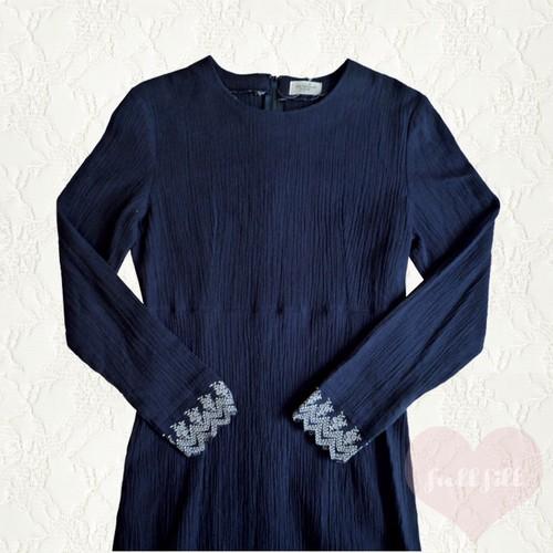 藍色スカラップ刺繍ワンピース