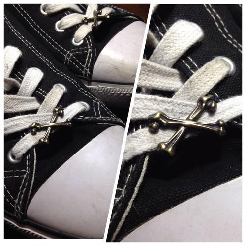 """Shoelace Accessory """"CROSS BONES"""""""