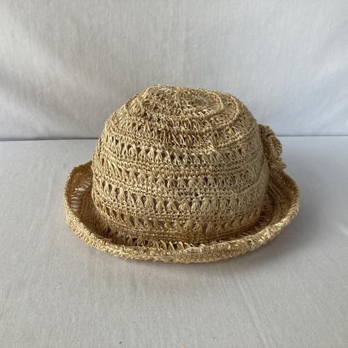 芭蕉糸で編んだ帽子