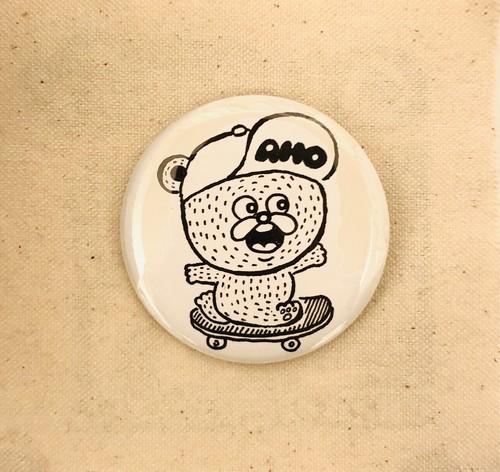手描き缶バッジ(スケートアホくまちゃん)