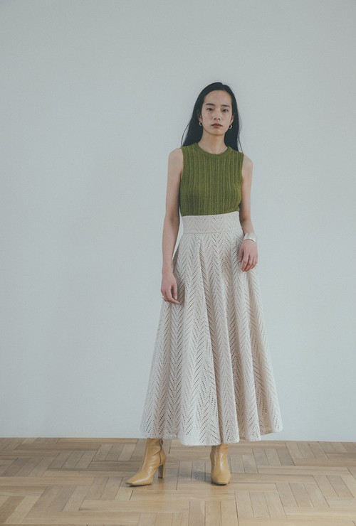 CLANE CUT EMBROIDERY FLARE SKIRT 全3色