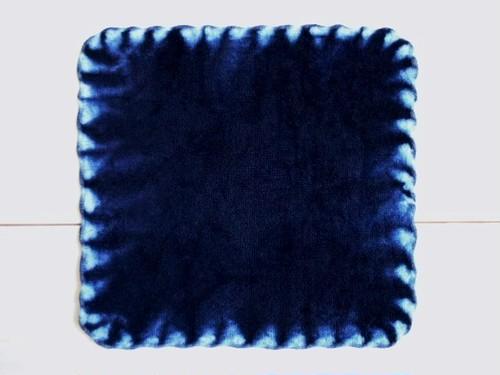 ◆100%自然素材 天然灰汁発酵建て 本藍染◆ 縫い縛り染め 今治産タオルハンカチ