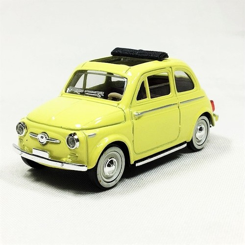 FIAT 500 1957 Cream Yellow 1/43【SOLIDO】【1個のみ】【税込価格】