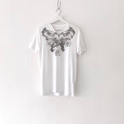 MAISON MARTIN MARGIELA 10 printed Vneck tee shirt EAGLE&ROSE MONOTONE